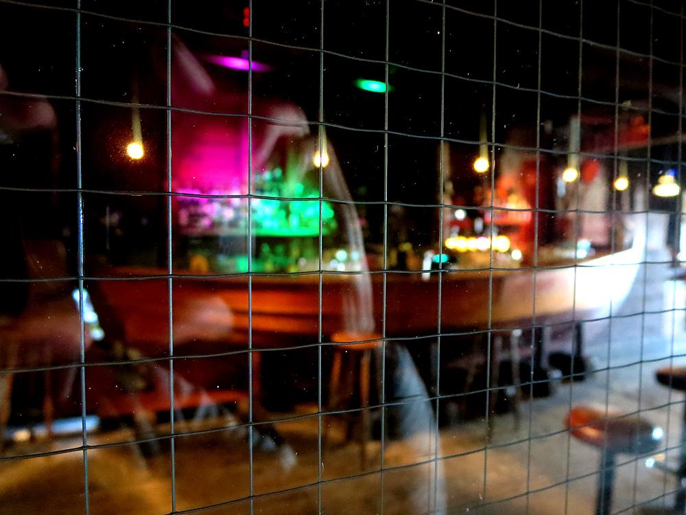 Bar unter Meeresspiegel