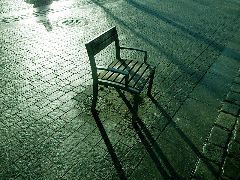Einsamer Stuhl